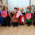 Reyes y reinas medievales en la clase de 3º de Infantil.