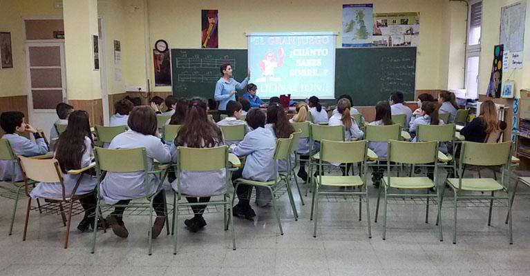 Los alumnos y alumnas del Colegio Rafaela María reciben la visita de la Asociación de Donantes de Sangre.