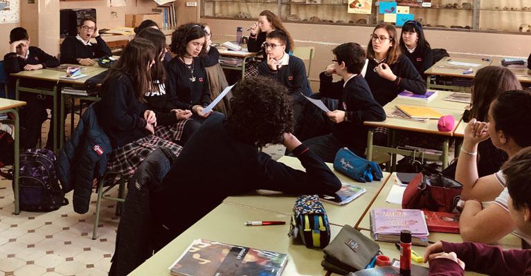 Debate en clase de música de ESO en el Colegio Rafaela María del centro de Valladolid