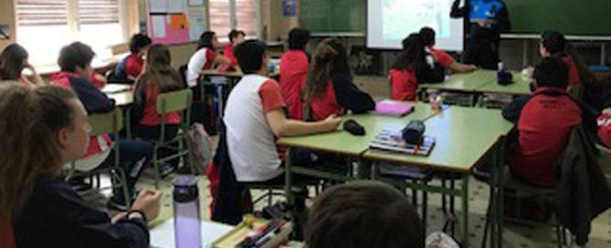 Charla sobre alcohol y drogas en 2º ESO del colegio Rafaela María del centro de Valladolid