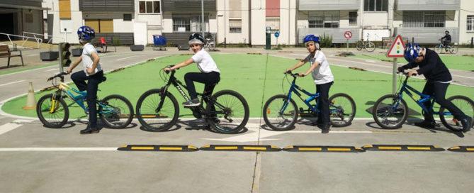 Los alumnos y alumnas de 4º de primaria han visitado el parque infantil de tráfico.