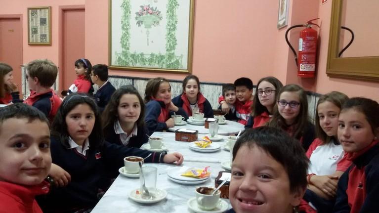chocolatada en madrugadores_colegio_centro_valladolid2
