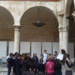 Los alumnos y alumnas de 3º de primaria del Colegio Rafaela María visitan la Biblioteca de Castilla y León.