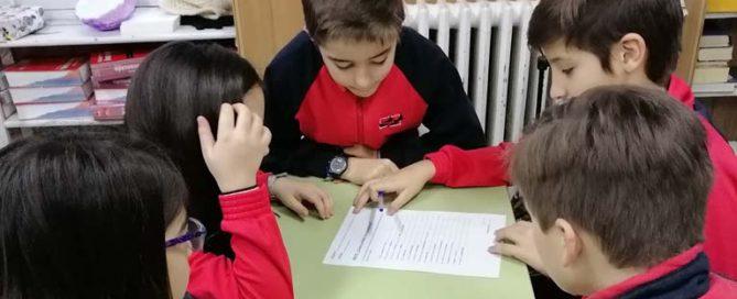Los alumnos y alumnas de 6º de primaria del Colegio Rafaela María se enfrentan a un reto sobre sinónimos.